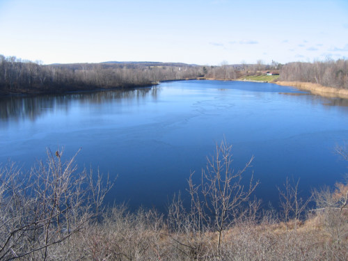 Blue waters of Paran with ice skim.