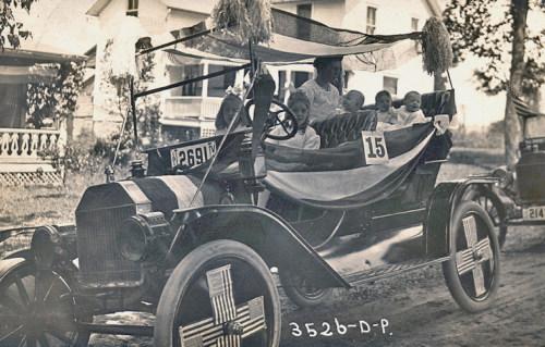 Parade car c1918.
