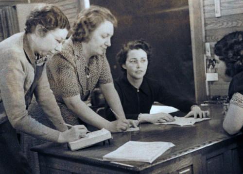 Claire Nolan, Julia Lyons, Eleanor Payne, 1940
